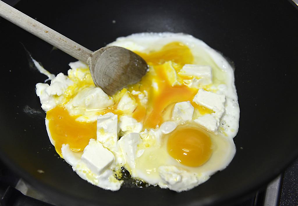 Schnelle Eier mit Feta . . .