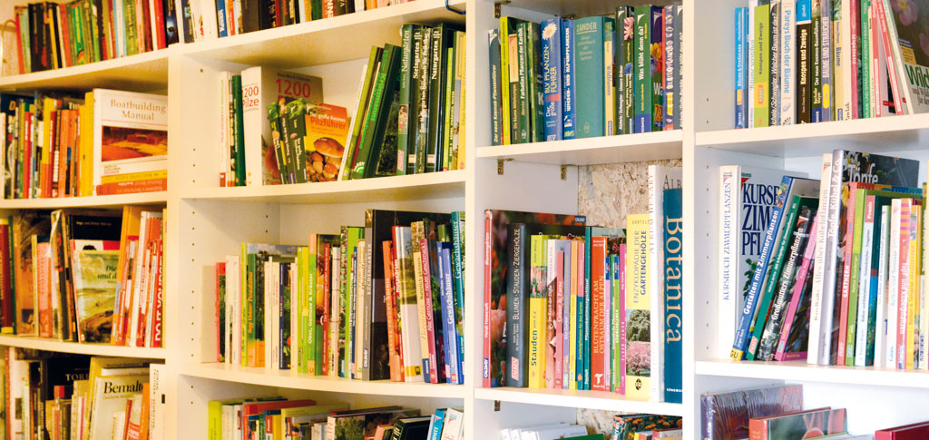 Petzis Garten und Küche: Bücher lesen . . . (Kati Martinek)