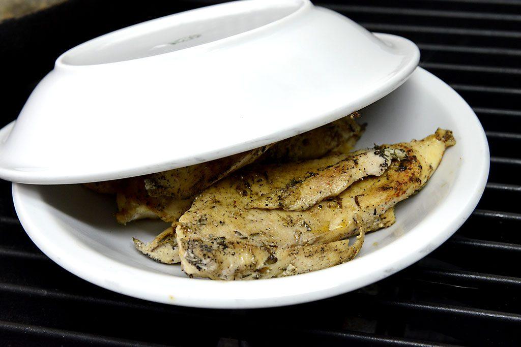 Petzis Garten und Küche: Das Fleisch möchte nach dem Braten gerne ruhen . . .